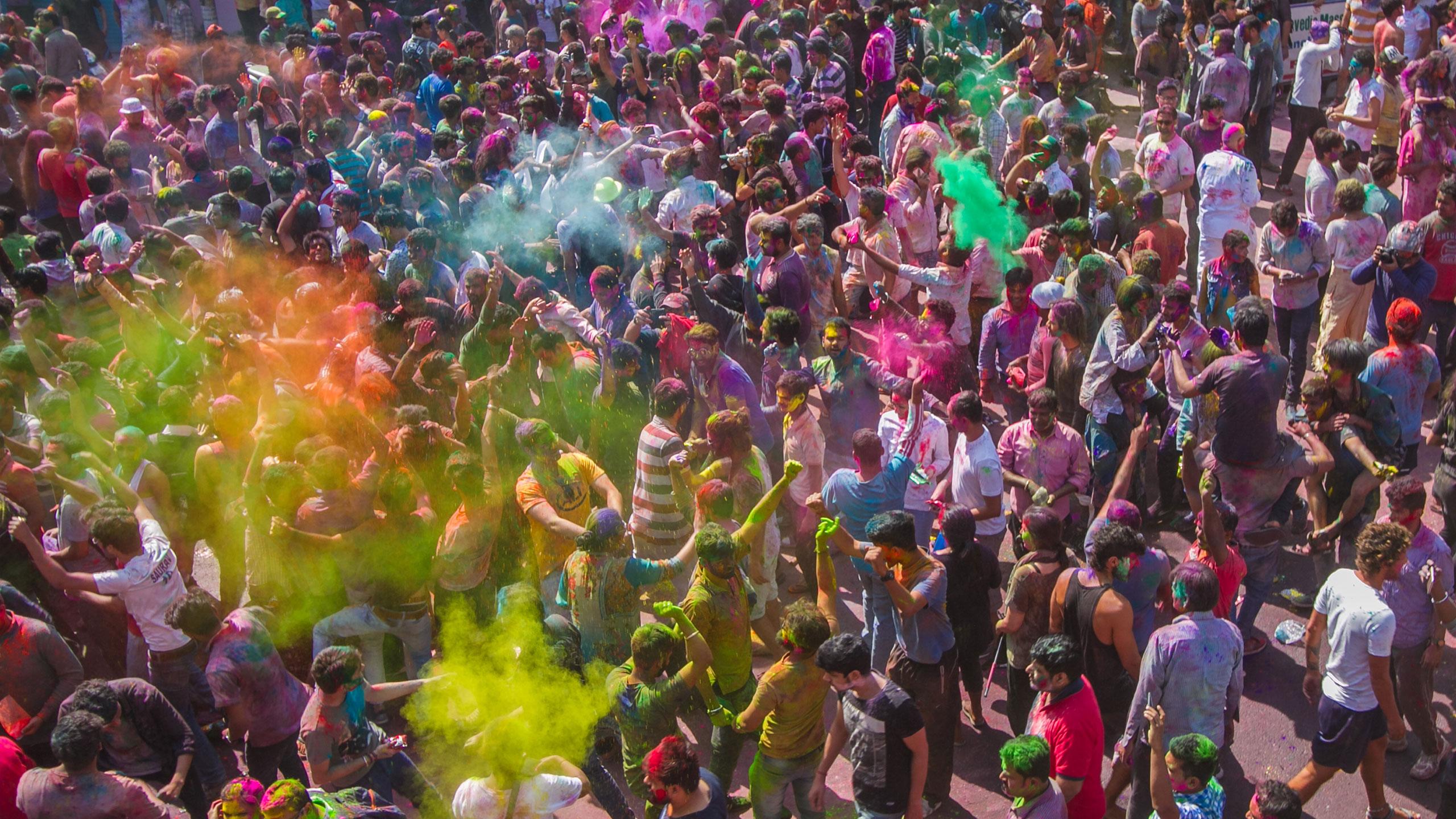 Holi Festival Rishikesh Crowd
